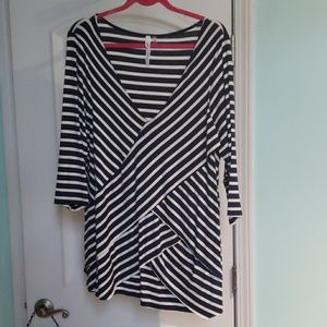 NWOT NY Collection striped, tiered top 3/4 sleeve